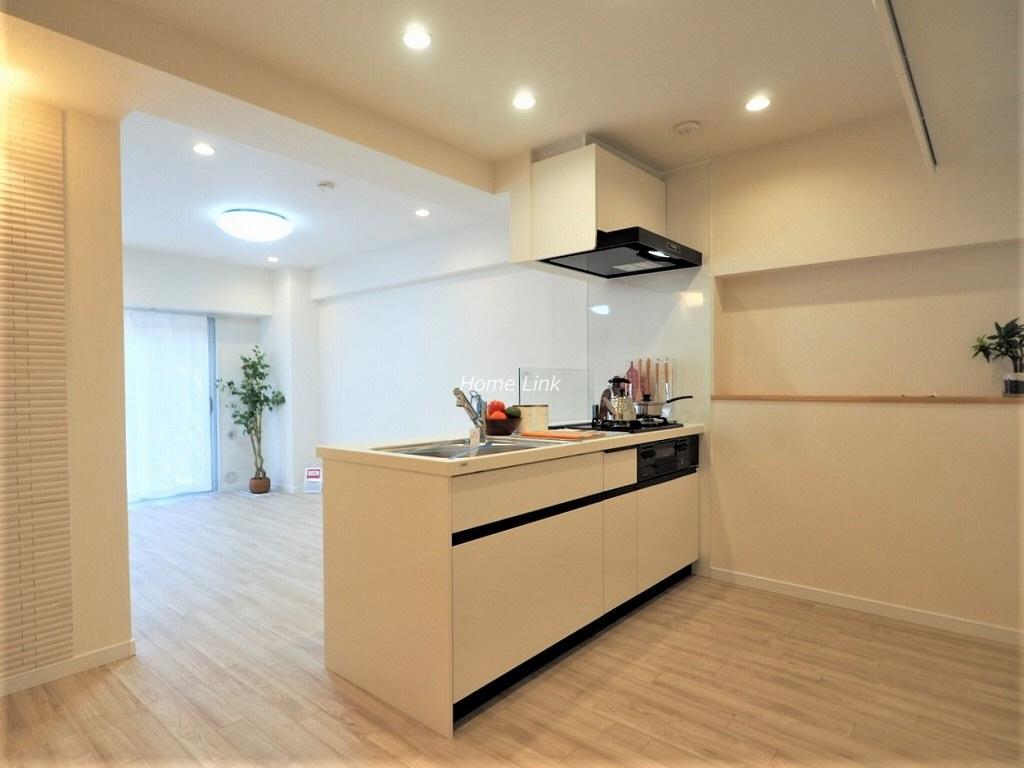 秀和蓮根レジデンス4階 開放感あるオープン対面キッチン