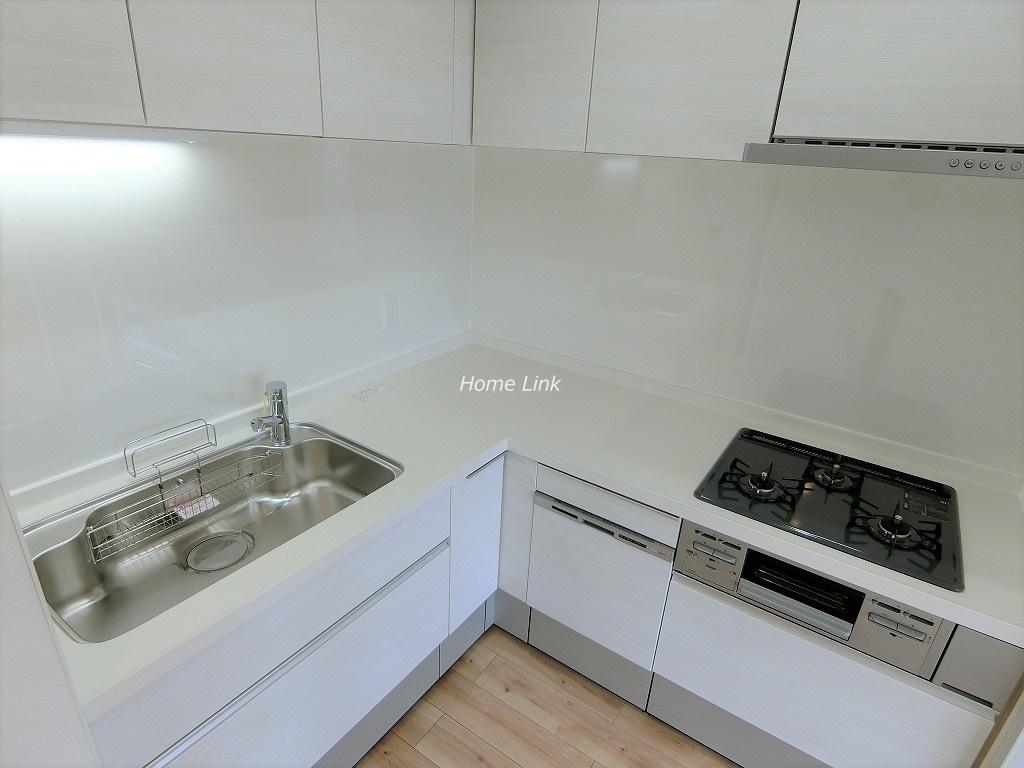 秀和蓮根レジデンス7階 L字型キッチン