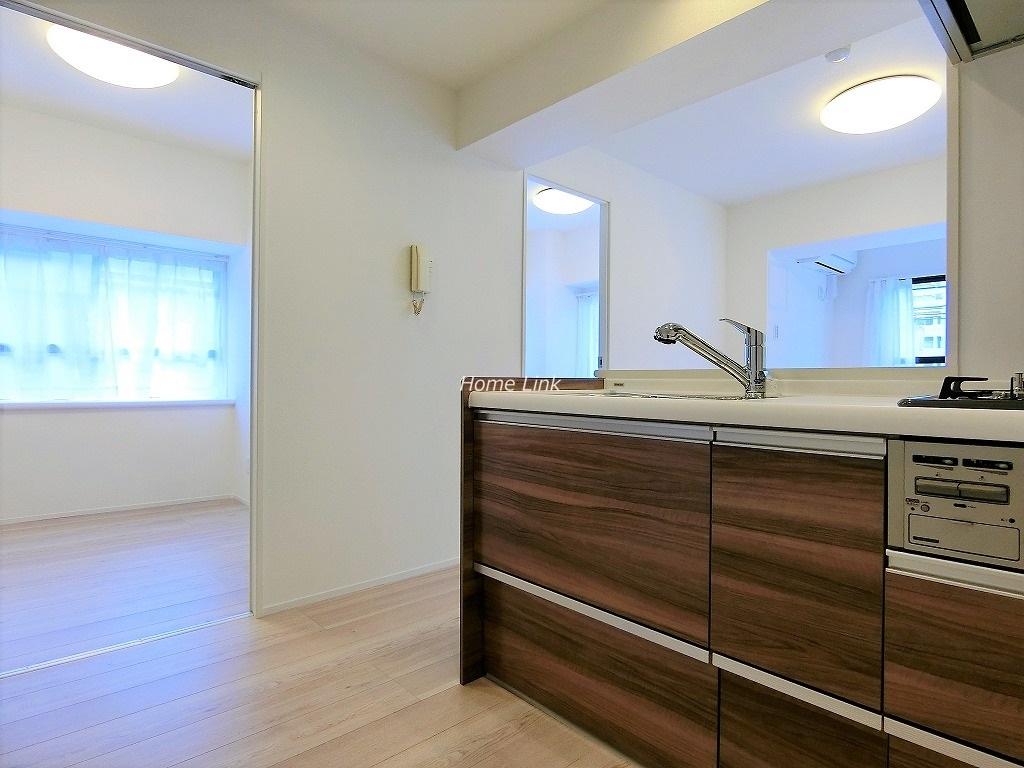 セザール池袋西2階 フルオープンの解放感あるキッチン