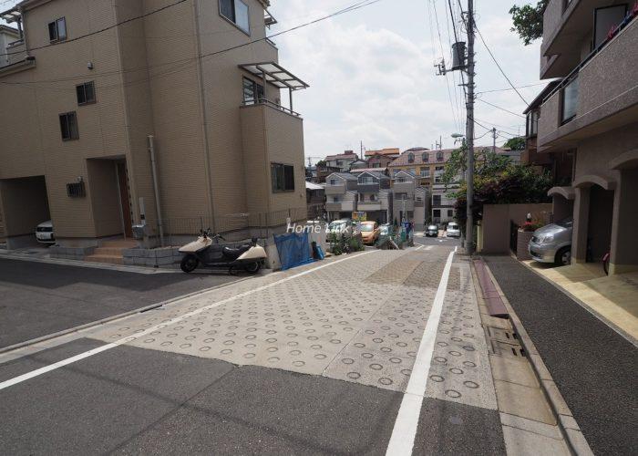 セザール第2赤塚公園 前面道路