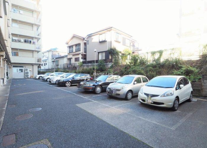 ニューハイム徳丸 駐車場