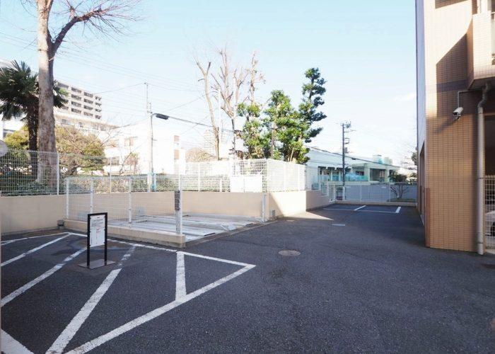 板橋パークホームズ 駐車場