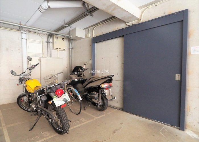 サラータ赤塚 バイク置場