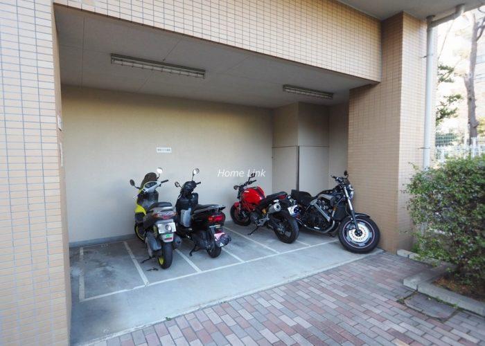 板橋パークホームズ バイク置場