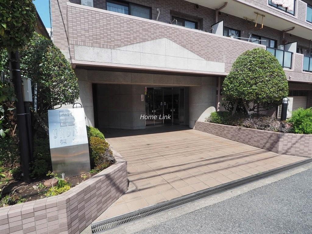 ナイスアーバン徳丸2階 エントランス