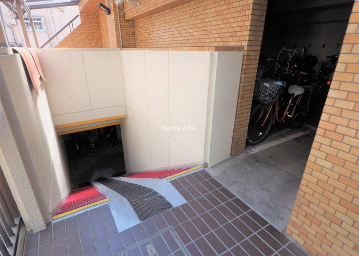 ライオンズマンション板橋 地下駐輪場