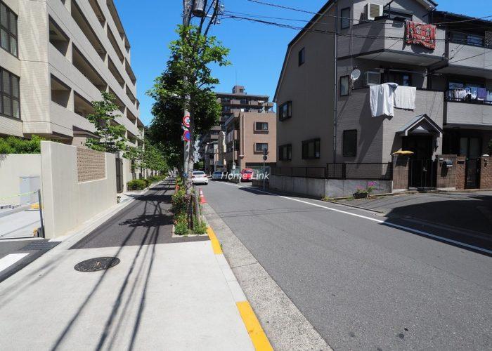 アトラス志村三丁目 前面道路