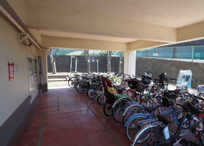 若木住宅2号棟 駐輪場