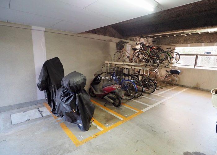 アーベントハイム板橋本町 バイク置場と駐輪場