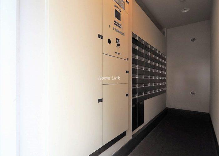 イニシア板橋区役所前 宅配ボックスと集合ポスト