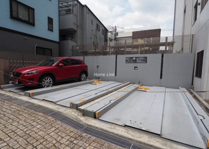 イニシア板橋区役所前 駐車場