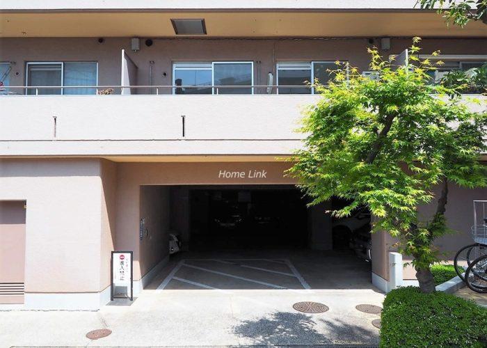 コスモ中台 駐車場出入口