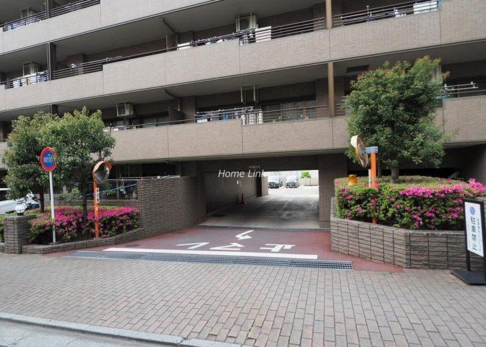 コスモ板橋志村プリオール 駐車場出入口