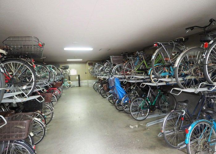 コスモ板橋志村プリオール 駐輪場