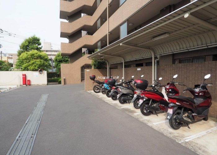 コスモ板橋志村プリオール バイク置場
