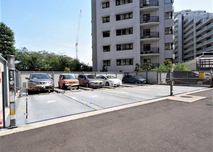 シティテラス加賀 駐車場