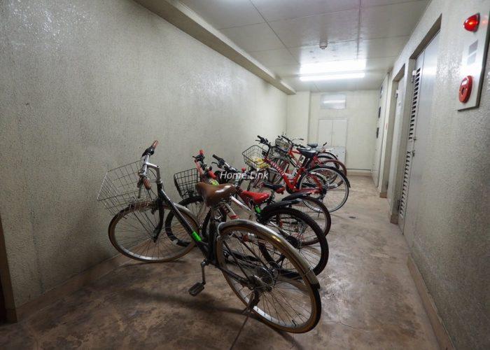 シャロン板橋 地下駐輪場