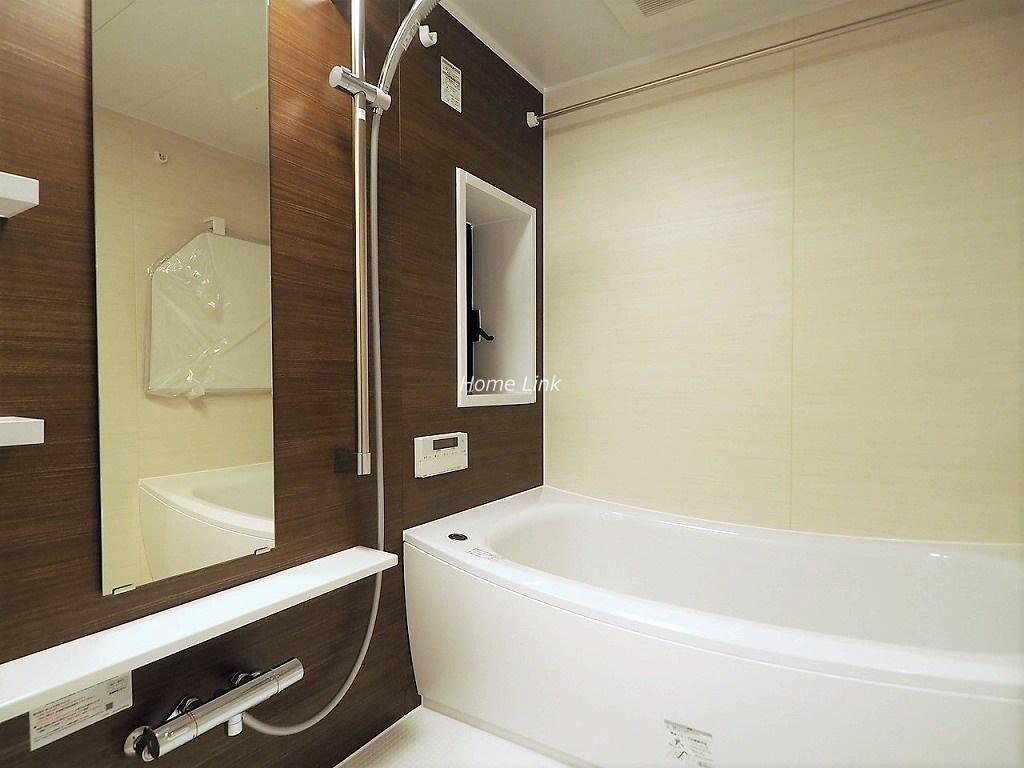 ジェイパーク板橋中台2階 浴室窓あり