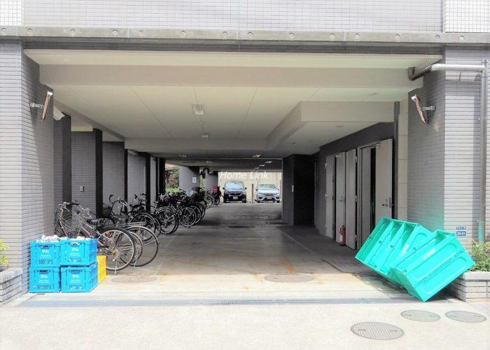 ジェイパーク板橋中台 駐車場出入口