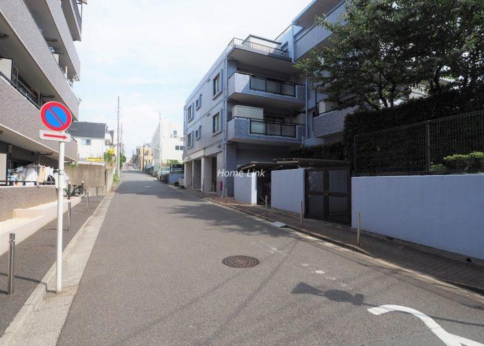 レーベンハイム赤塚公園 前面道路