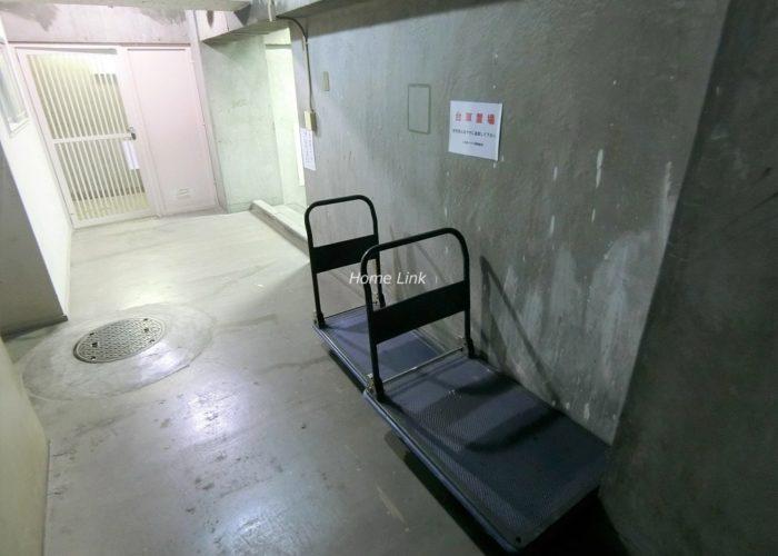 上板橋ハウス 台車置き場