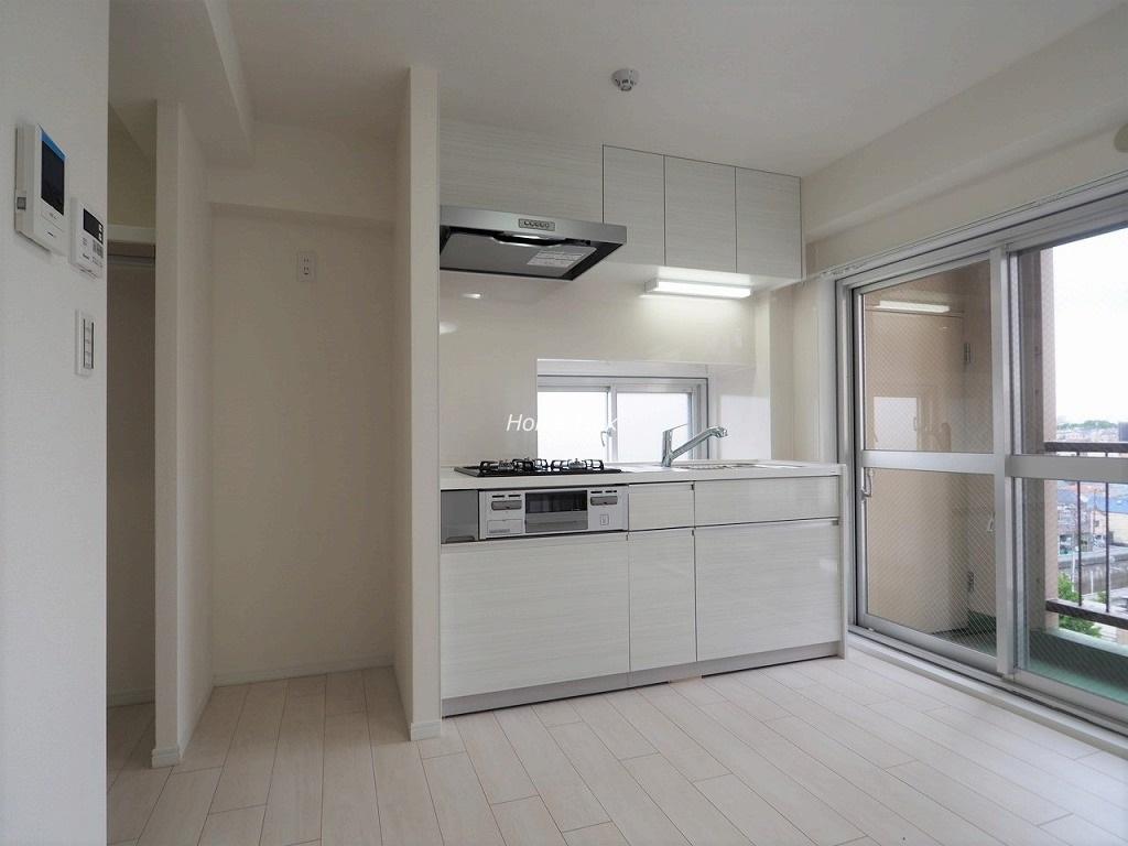 南常盤台ハイム7階 キッチン明るい窓あり