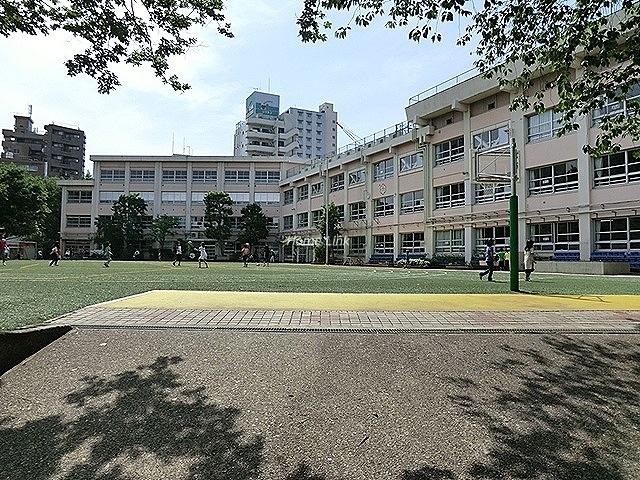 朝日クレスパリオ大山周辺環境 板橋第六小学校