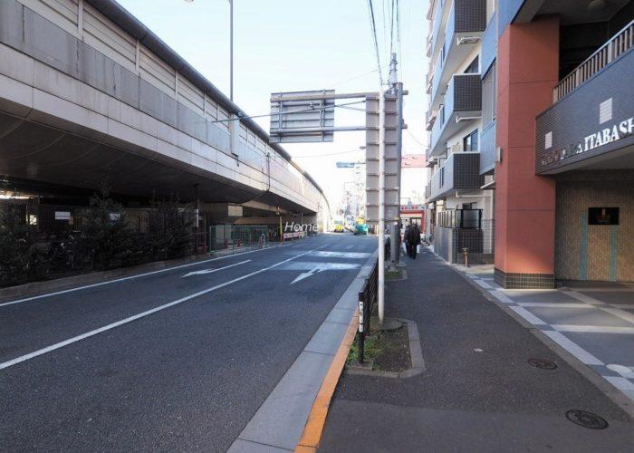 シーズスクエア板橋本町 前面道路