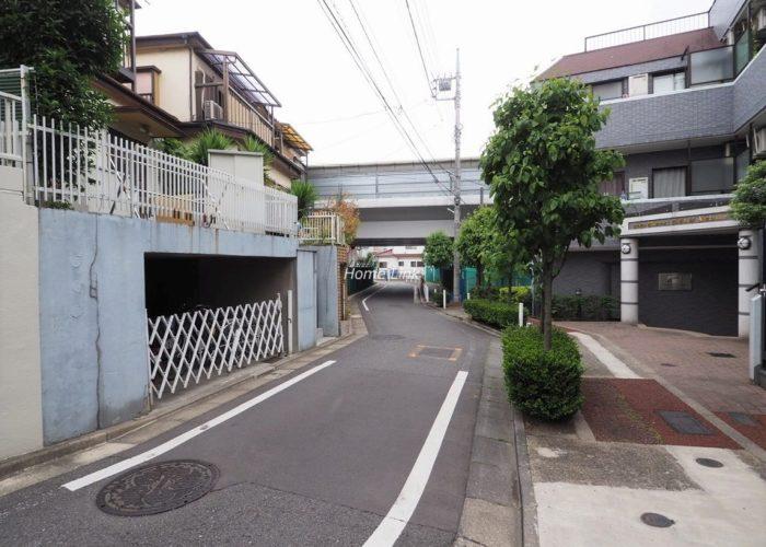 ライオンズマンション板橋赤塚 前面道路