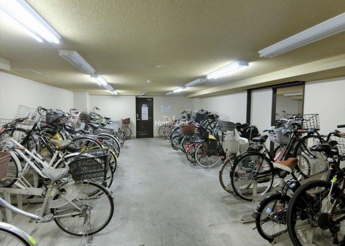 日神パレステージ東武練馬台 西館 駐輪場