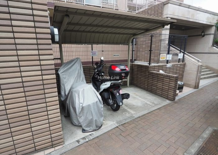 日神パレステージ東武練馬台 西館 バイク置場