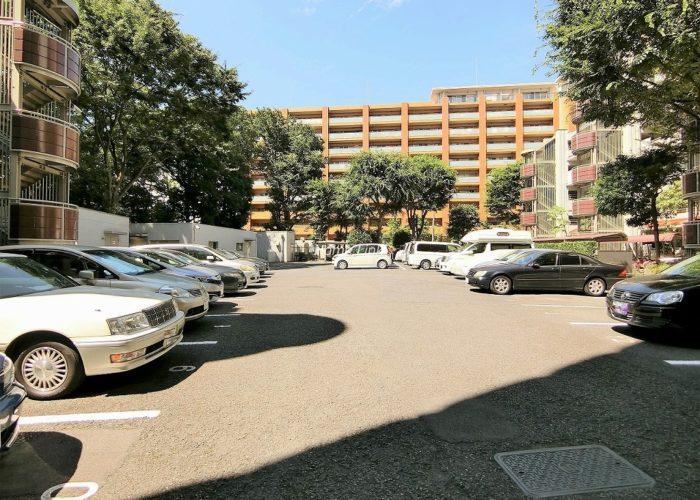 成増ハウス 駐車場