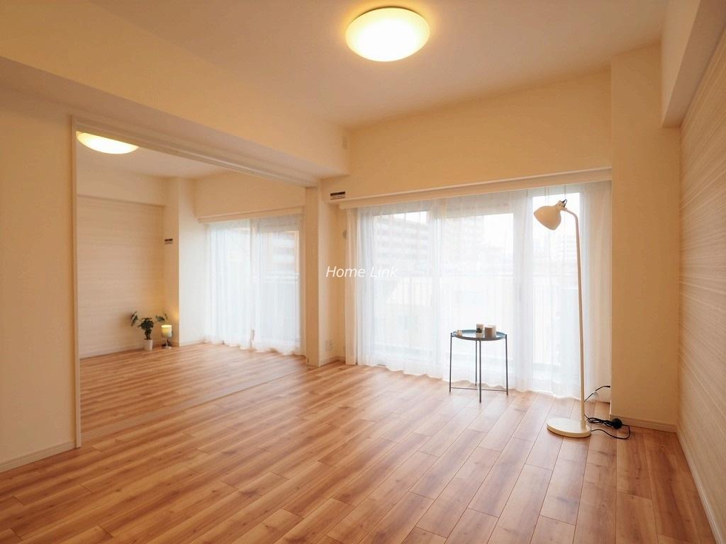 成増ハウス6階 LDKと洋室を開放し19.3帖の空間