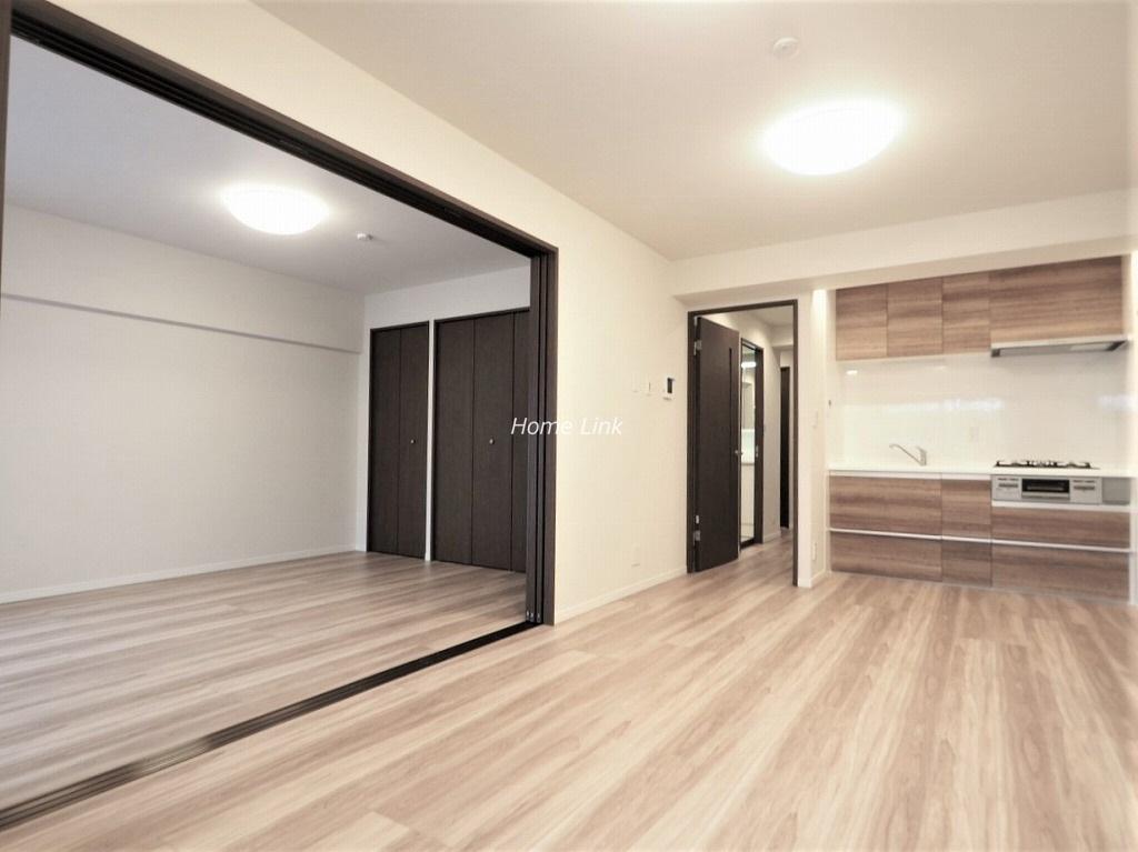 板橋中台マンション1階 リビングと洋室を繋げて17.8帖の開放的空間