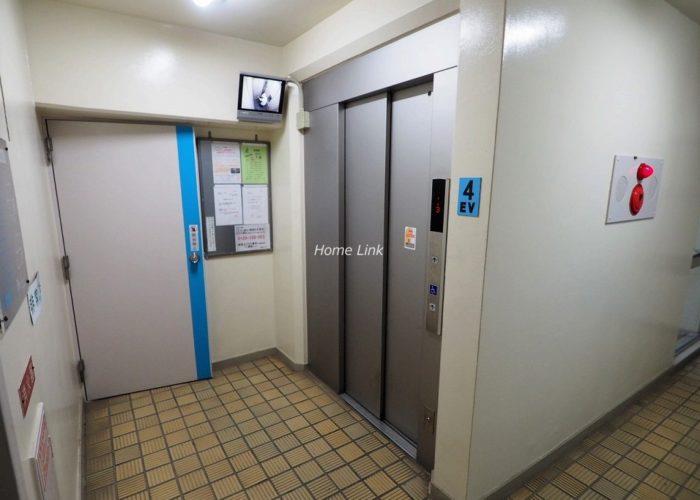 板橋中台マンション エレベーターホール
