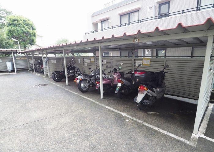板橋中台マンション バイク置き場