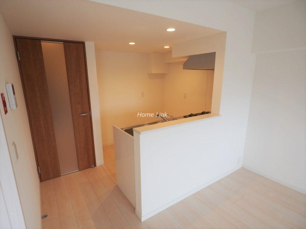 板橋中台マンション8階 オープンキッチン