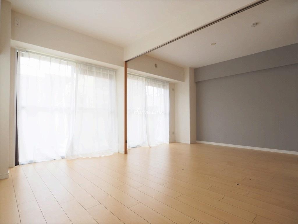 ライオンズマンション成増2階 続き間洋室からリビング