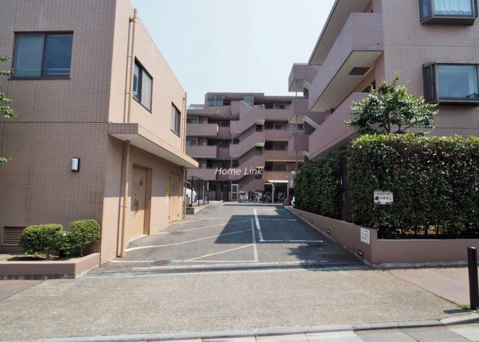 ルピナス赤塚ツインズガーデン壱番館 駐車場出入口