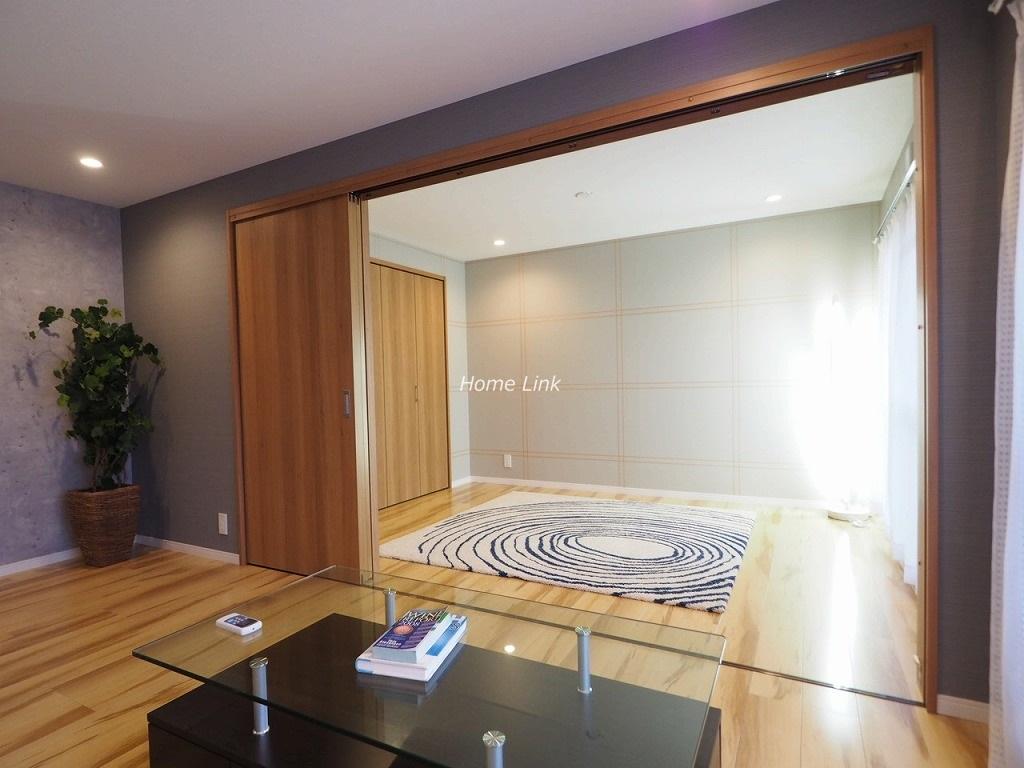 東武高島平サンライトマンション2階 リビングから洋室