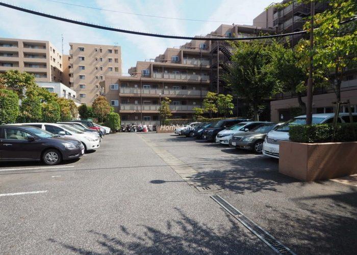 洋伸小豆沢公園マンション 駐車場