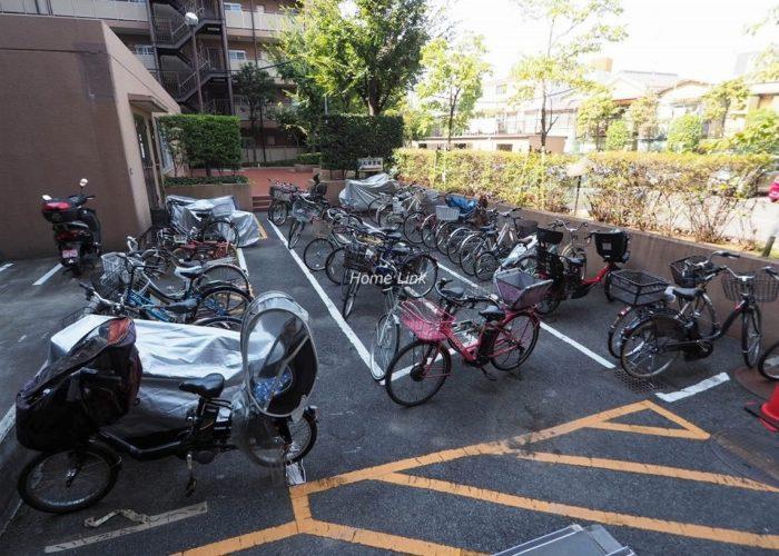 洋伸小豆沢公園マンション 駐輪場