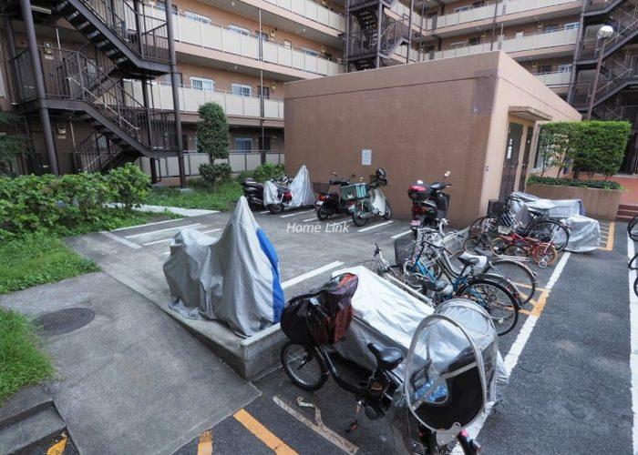 洋伸小豆沢公園マンション バイク置場