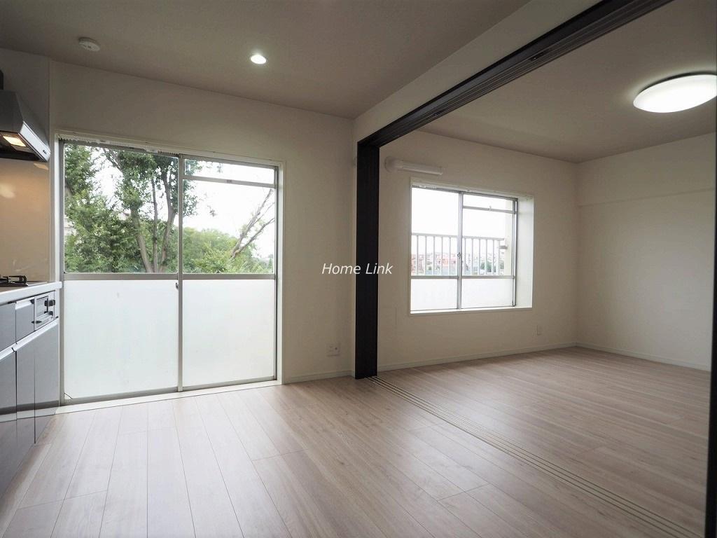 若木住宅 3号棟3階 ダイニングと洋室