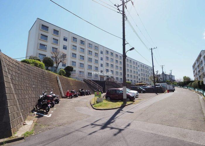 若木住宅 3号棟 前面道路