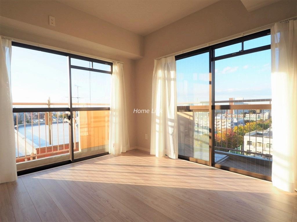 シンハイム高島平9階 リビング2ヶ所の窓