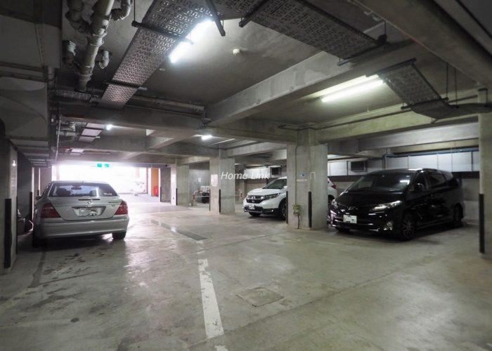 ライオンズマンション板橋中丸町 駐車場