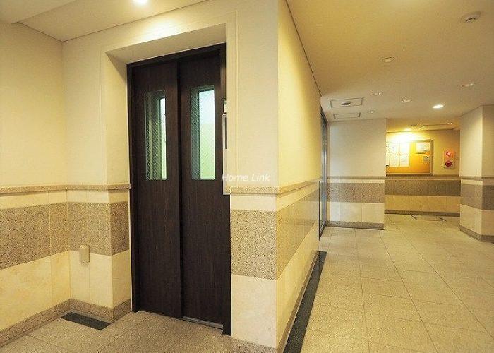 ラグラース板橋区役所前 エレベーター
