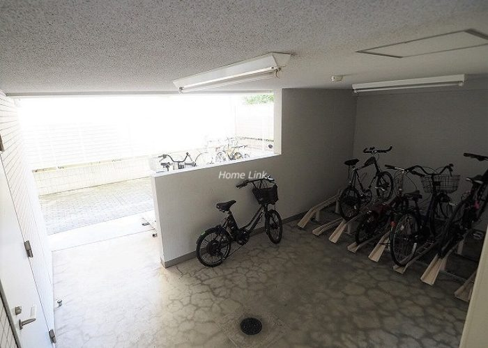 ラグラース板橋区役所前 駐輪場