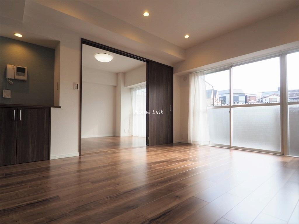 東急ドエルアルス成増3階 リビングから洋室
